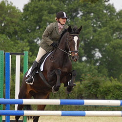 Angela-Smith-riding-quiz,-winner-of-the-Mick-Cup-LCRC-show-June-2011